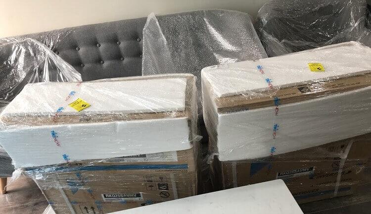 Hai chiếc điều hòa Daikin đặt mua ở Tiki giao hàng nhanh TikiNow